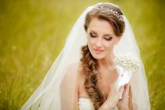Beautiful bride wedding makeup hairstyle